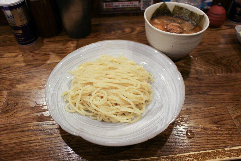 Tokusei tsukemen noodles an dipping broth.