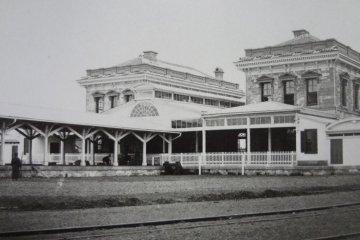 The original Shimbashi Station building (designed by American architect Richard P. Bridgens)