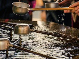 Используемые верующими как религиозный обряд, эти воды не для питья, но с целью очищения