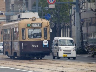 Retro trams are the same shape as a mini-car, just a little bigger (and a lot heavier).