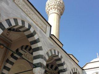 """代々木上原にある、トルコ共和国のイスラム寺院""""東京ジャーミィ"""""""