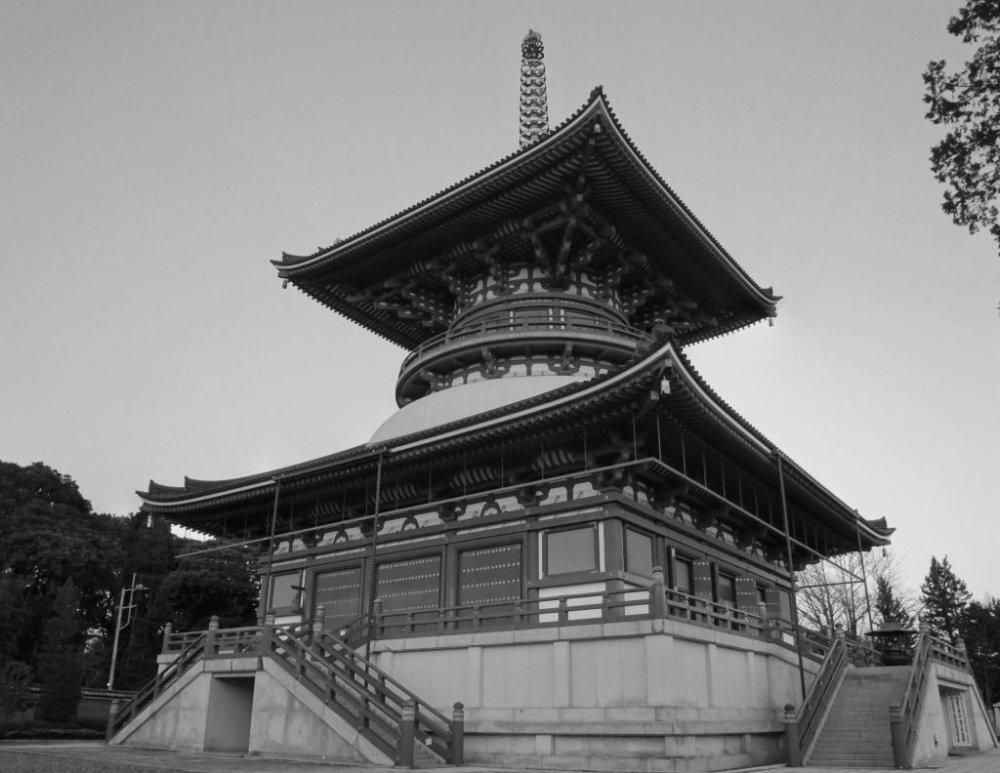 成田山、平和大塔(へいわだいとう)