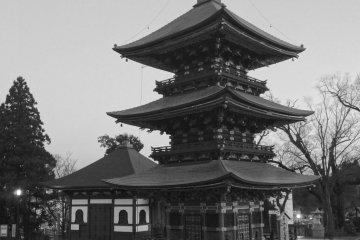 <p>Сандзю но тоу (Трехэтажная пагода)</p>
