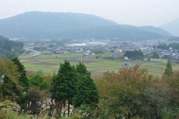 Вид на поле боя Сэкигахары из лагеря Исиды на горе Сасао