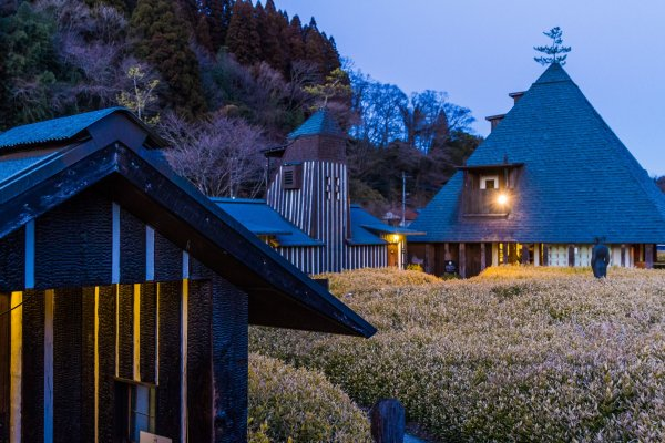 Ramune Onsen\'s bathhouse has an aura of fantasy