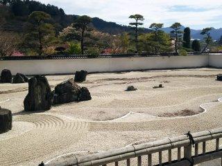 Le plus grand jardin sec zen d'Asie au temple Kozen-ji