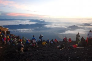 The crowd at the top watching the sunrise