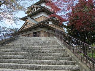 Лестница к замку
