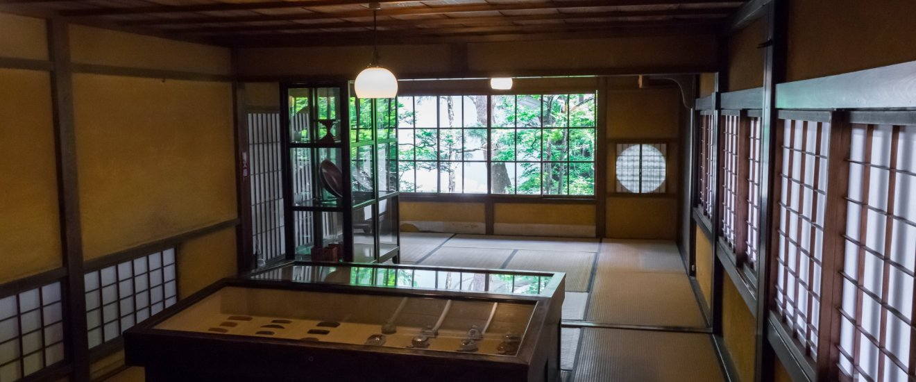 Inside the Kusakabe Mingei-kan.