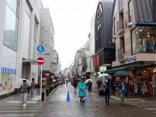 เดินสบายๆ แม้ในวันฝนตก
