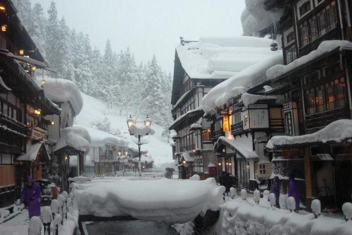 Ginza Onsen vào mùa đông