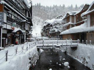 """要""""慢""""游日本,银山温泉是最佳去处"""