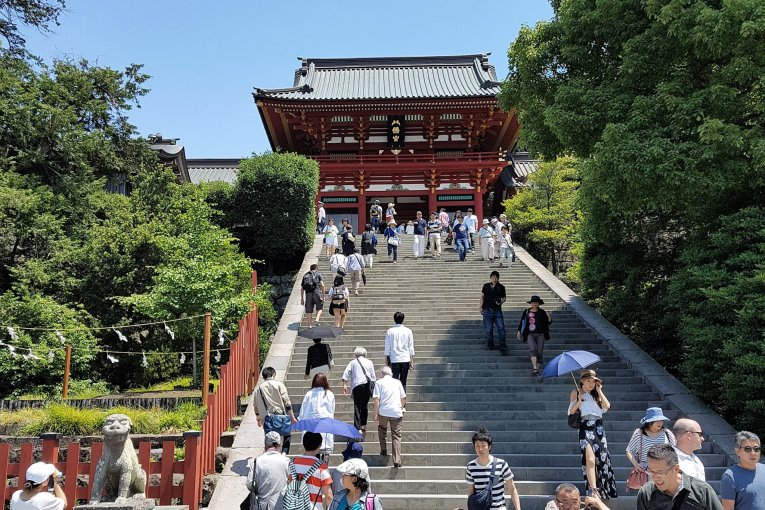 ศาลเจ้าซึรุกะโอะกะ ฮะชิมันกุ (Tsurugaoka Hachimangū)