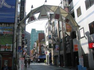 Станция Икебукуро. Типичная застройка и множество ресторанчиков