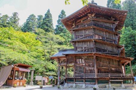 Le Temple Aizu Sazaedo