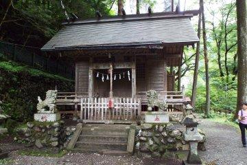 Issekizan Shrine