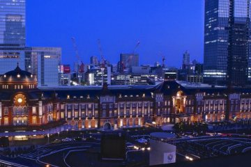 Panoramic view of the Tokyo Station from Marunouchi Building 7th floor