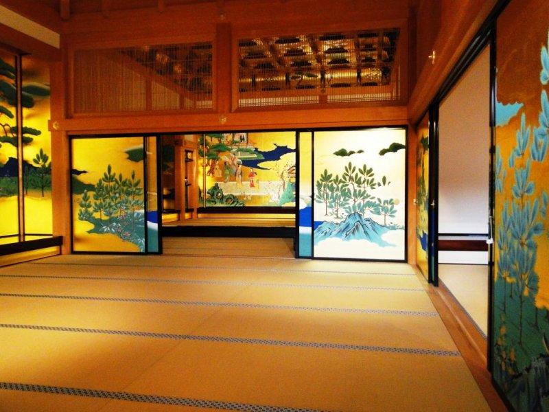 혼마루 고텐의 중앙 접수실