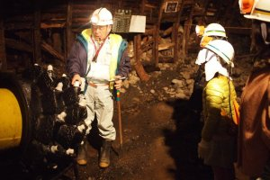 Entertaining tours are led by skilled coal mine employees
