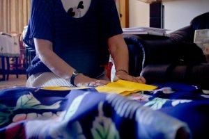 """""""O único  elemento comum a todas as idades é o obi, a faixa  de tecido que se enrola à volta da cintura, terminando ou não num laço"""""""