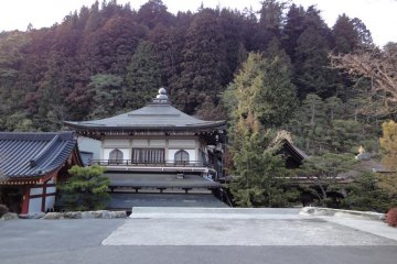 Temple Lodging