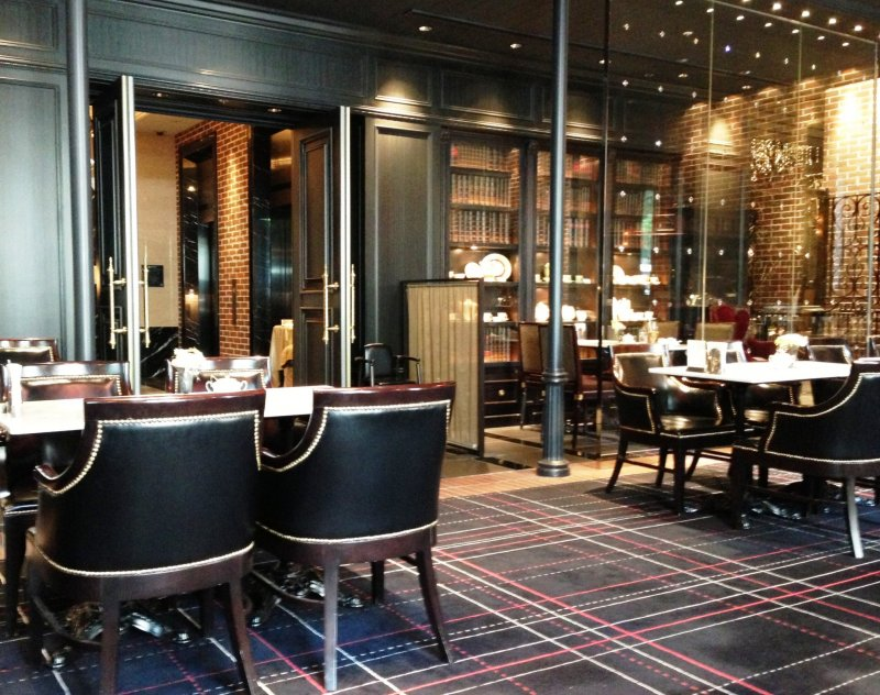The Library Cafe at Hotel Monterey Kyoto is a peaceful haven to wait for your friends and also close to the subway station
