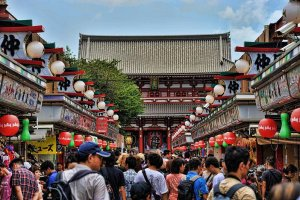 The shop-lined road leading to Senso-ji is as busy today as during Isabella's time.