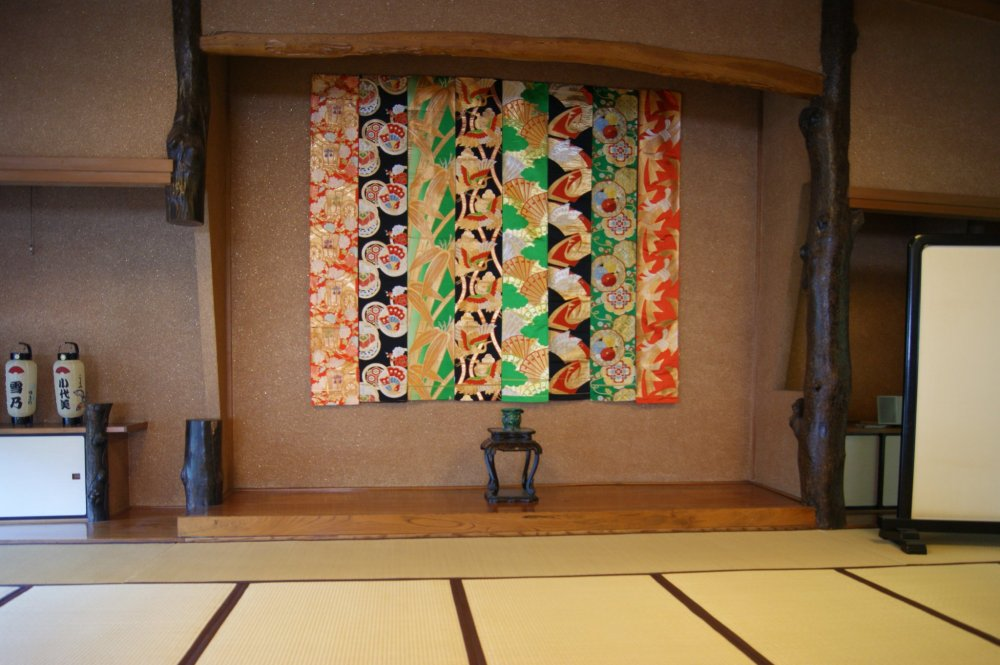 The zashiki in the upper floor of Matsushita, where the maiko meet the customers