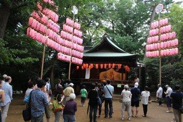 Senzoku-Ike Autumn Festival