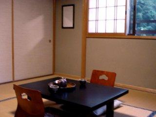 Một phòng riêng thoải mái tại Hanaya, một homestay giống Ryokan gần Nagiso trên đường Nakasendo nối giữa Kyoto và Tokyo