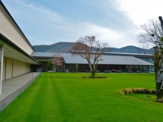 Lalique Museum and the beautiful nature of Sengokuhara, Hakone