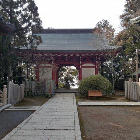 Senko-ji Temple in Awaji-shima