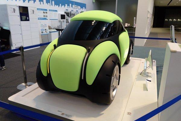 Hoje em dia a investigação tecnológica dedica-se aos veículos motorizados independentes (self-drive) e aos robôs.