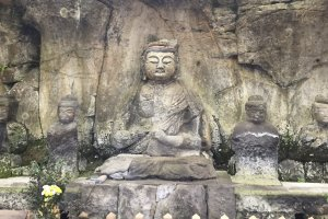 One of the larger carvings at Usuki