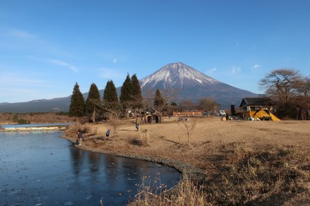 Danau Tanuki dan Gunung Fuji