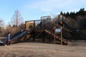 Taman bermain untuk anak-anak