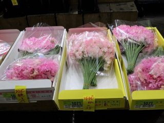 ดอกสวีทพีที่ส่งกลิ่นหอมไปทั่วตลาด