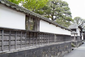 Old walls that contain residences of Hagi's past notables