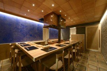 Japanese-style interior provides counter seating in full of Miyashiro-san working his magic