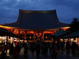 The main hall of Sensoji Temple attracts large crowds