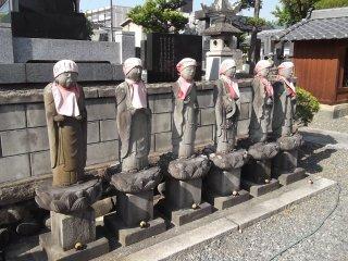 Estas estatuas te darán la bienvenida