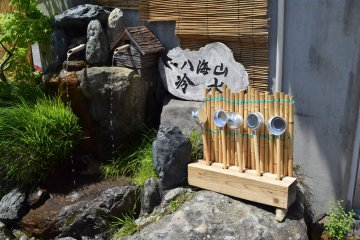 Try out some fresh Hakkaisan snow melt water at the ropeway base!