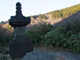 One example of the statuary near the lake