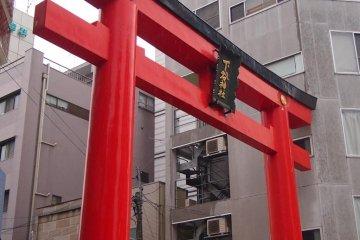 Shitaya Jinja torii (gateway)