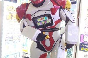 Установленные на улице андроиды помогут убедиться, что вы на правильном пути к ресторану.