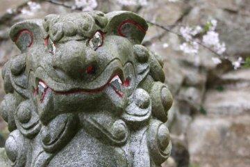 คามาคุระ ฮันโซะโบะ: ศาลเจ้าบนภูเขา