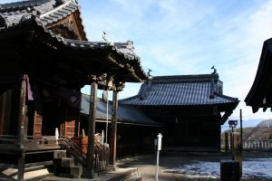 Yoshinaka Minamoto torched the temples in 1180, but they were rebuilt in 1252