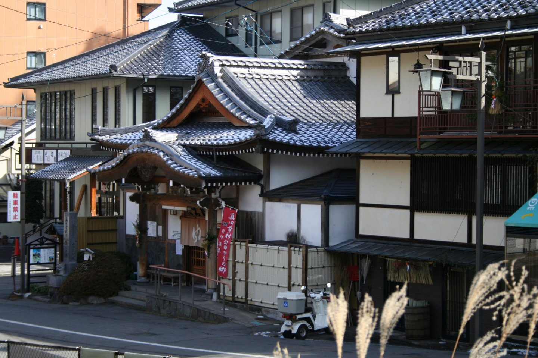 Public hot springs and inns of Bessho Onsen