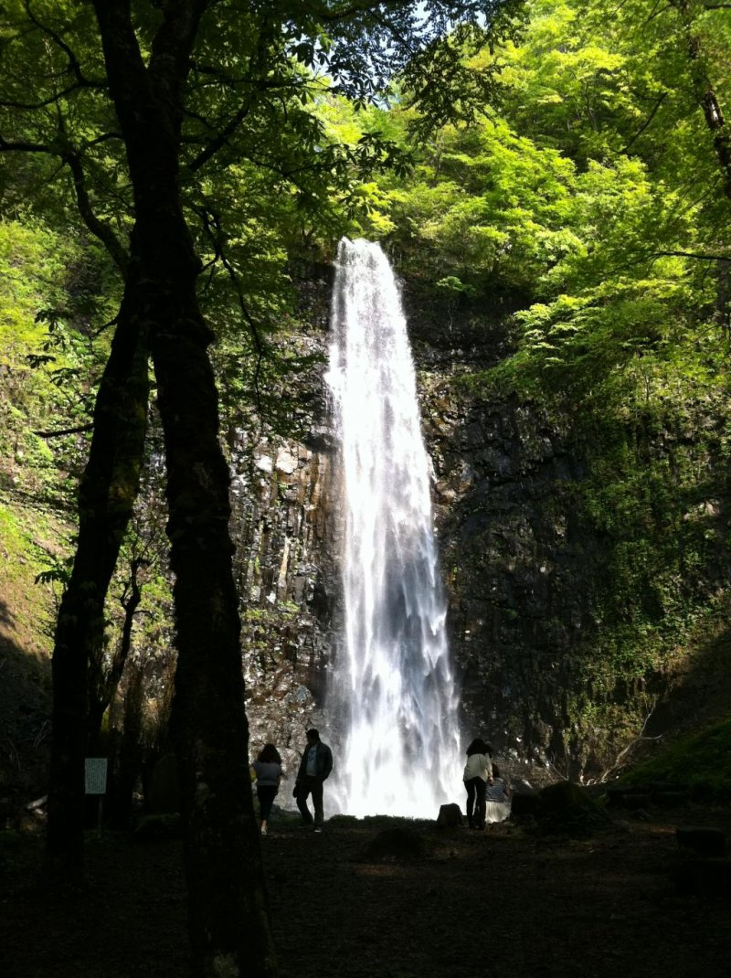 This waterfall is huge and there are only few visitors there