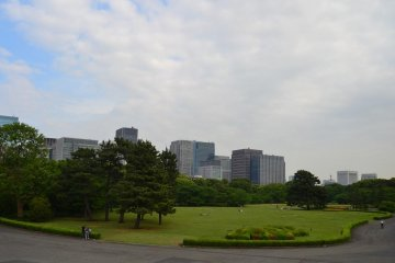 Wide main garden in front of the Tenshudai Donjon Base.